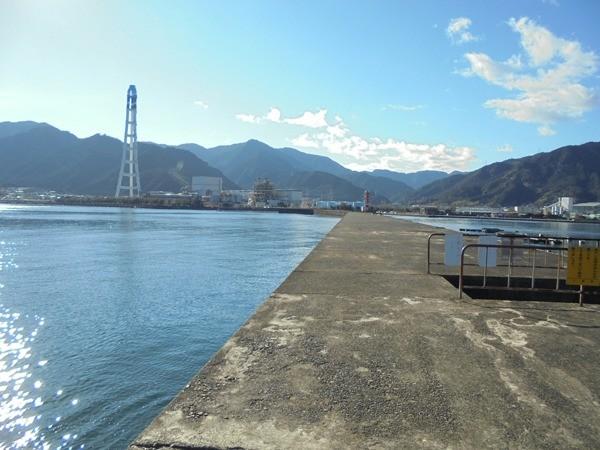 三重の釣り場 尾鷲港 天満浦突堤東側 FISH&MAPS
