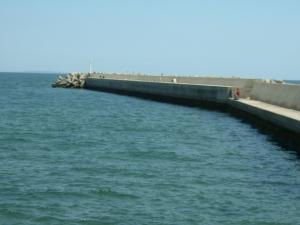 三重県の釣り場 白塚漁港南堤防 FISH&MAPS