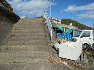 三重県道瀬港トイレ階段 FISH&MAPS