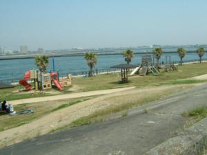 静岡県新居釣り公園内遊具